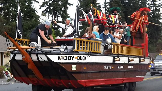 Moby Duck vehicle in the Parade.