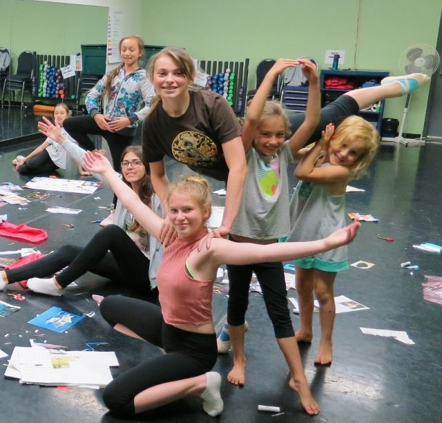 Dance Immersion Participants Crafting - Summer 2018